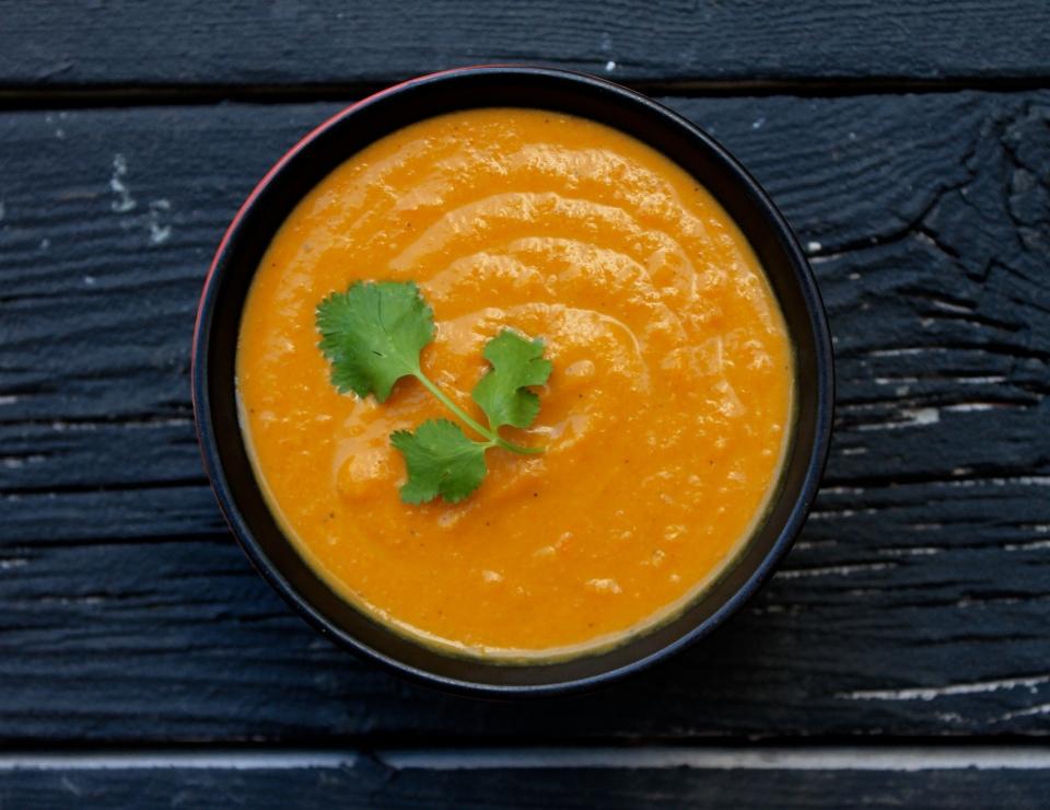 Vegan coconut curry lentil soup | Good Food For Good